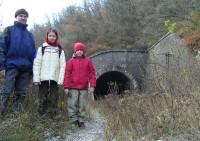 Malá Chuchle - temná cesta železničním tunelem