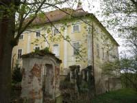 Zámek v Osečanech