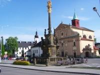 morový sloup, kostel i zámek