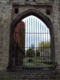 pohled do areálu hradu