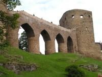 Velhartice - nabídnou hrad i zámek
