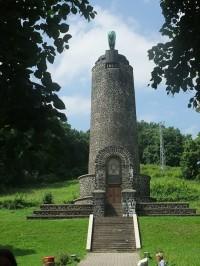 Pomník k výročí bitvy 1813
