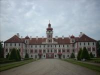 Pohled na zámek Mnichovo Hradiště
