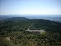 Pohled z Ještědu jihovýchodním směrem (na Pláně)