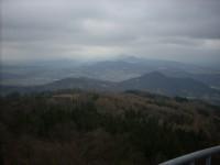 Výhled na okolní vrcholky Českého Středohoří