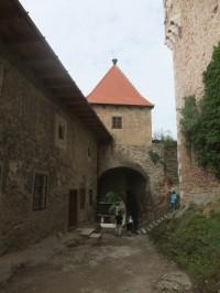 Vstupní cesta na hrad