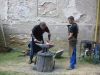 práce kovářů