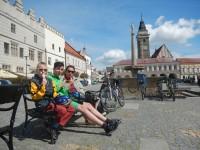 Zmrzlina ve Slavonicích na náměstí