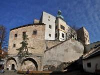 Chřiby (Buchlovské hory): hrad Buchlov z nádvoří