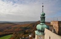Chřiby (Buchlovské hory): vyhlídka z hradní věže Buchlova - západní směr