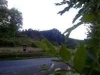 Šemnická skála od silnice Andělská Hora - Šemnice