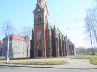 Hrušov, kostel sv. Františka a Viktora