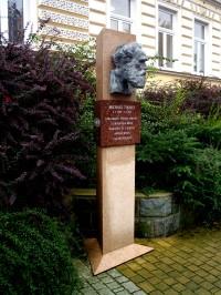 Bystřice pod Hostýnem - pomníky a pamětní desky