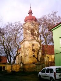 kostel od jihozápadu od zámku