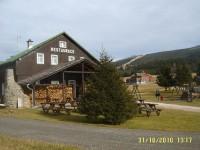 restaurace, dříve jídelna rekreačního střediska podniku Motorlet