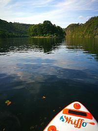 Na paddleboardu za tajemstvím ostrova Svatého Kiliána (úsek Štěchovice - Davle)