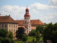 Lobkowiczký zámek a románský hrad