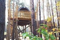 Splňte si dětský sen a užijte si dovolenou v korunách stromů