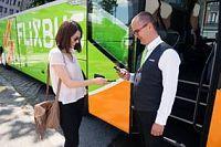 Společnost FlixBus oznámila převzetí firmy HELLÖ, dálkového autobusového dopravce patřícího rakouské národní železniční společnosti ÖBB