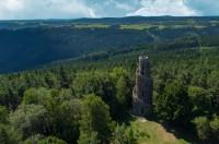 Při prázdninových cestách po Karlovarském kraji můžete navštívit pobočky sokolovského muzea
