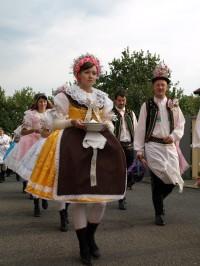Foto: Hustopečské kroje; archiv Hustopečská chasa