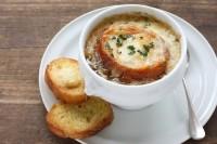 Ilustrační foto: Francouzská cibulová polévka; zdroj foto: Grund Restaurant