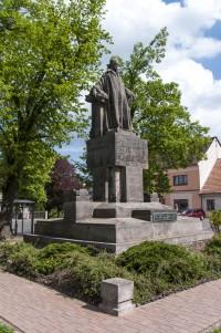Libáň – pomník Jana Husa