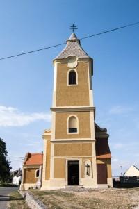 Chvalatice – kostel Nalezení Sv. Kříže