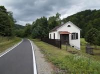 Opuštěný drážní domek