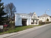 Nový Malín - brána u čp. 102