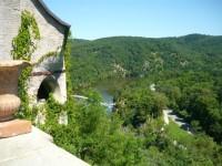 Pohlede z hradu na přehradu