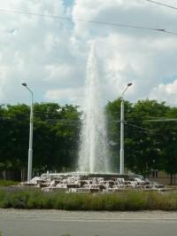 Vodotrysk na kruhovém objezdu v Lázních Bohdaneč