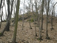 Ostroh, na kterém stával hrádek Karlík