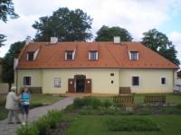 Zahrada u farního muzea