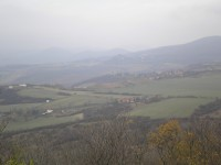 Pohled z Radobýlu směrem k hradu Kamýk