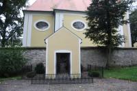 Minerální pramen pod kapličkou kostela sv. Jiří v Pivíně