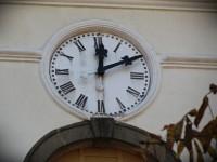 Pod kašavským kostelním orlojem