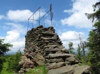 Příčný vrch - kamenná rozhledna