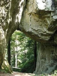 Zkamenělý zámek - skalní brána