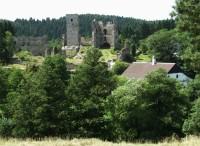Na zříceninu hradu Rokštejna a do údolí Brtnice