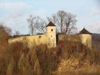 Pohledy na hrad, město a okolí z ulice Březová