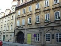 Praha 1 - U obecního dvora - pamětní deska Josef Mánes