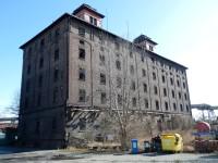 Družstevní obilní skladiště v Hradci Králové