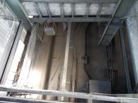 Pohled do výtahové šachty