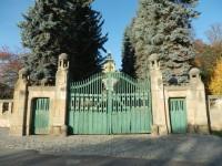 Vrata holovouského zámku