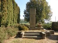 Holovousy - pomník padlým v 1. a 2. světové válce