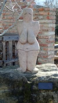 Horní Věstonice – socha Věstonické venuše