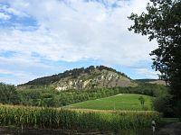 Pavlovské vrchy (CHKO Pálava) - okružní trasa přes Sirotčí hrádek, Dívčí hrad, Děvín a další zajímavosti