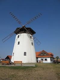 Bukovany – rekreační středisko a rozhledna Větrný mlýn