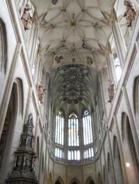 Chrám Sv. Barbory - kroužená žebra klenby hlavní lodě